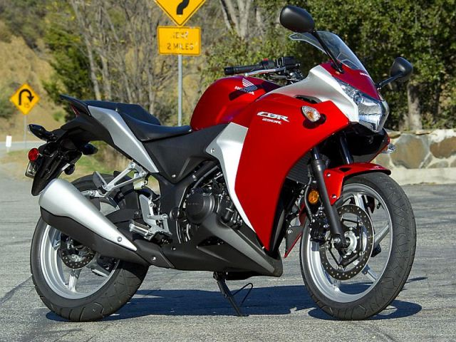 motocikl-honda-cbr250-4