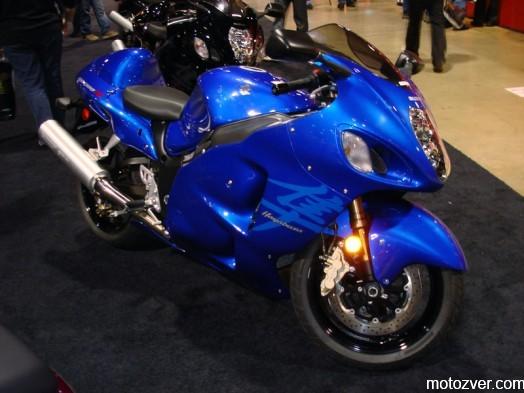 800px-2007SuzukiGSX1300R-001